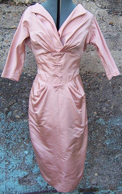 pink dress incentive drabble